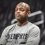 Atlanta Hawks hire Nick Van Exel as assistant coach.